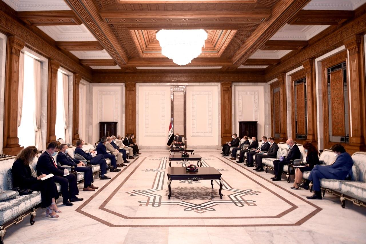 """صالح يؤكد لسفراء الاتحاد الأوروبي على """"سيادة""""العراق"""