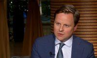 السفير البريطاني يدعو إلى القضاء على الميليشيات