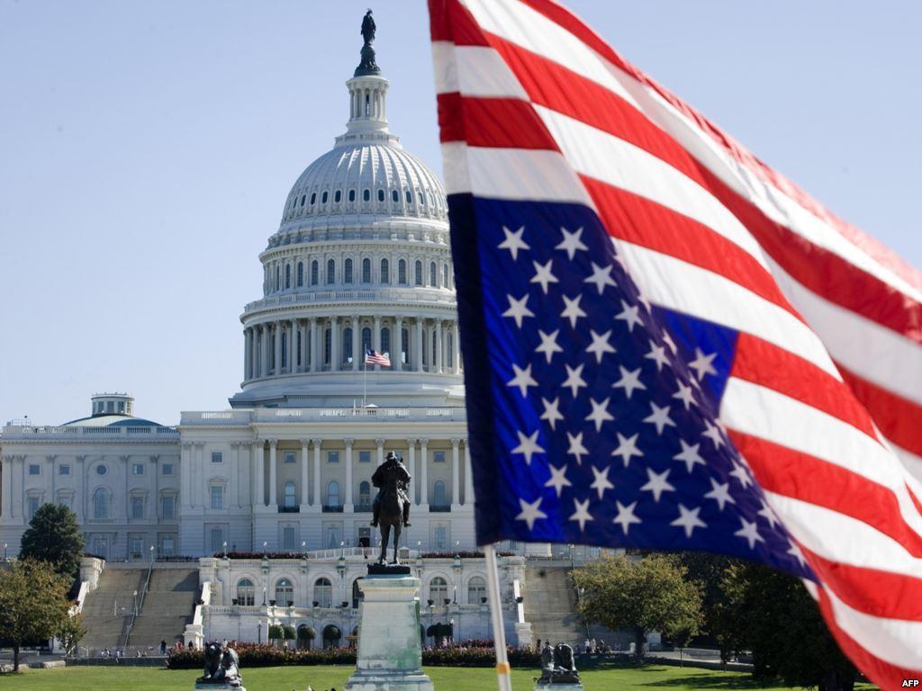 مشروع أمريكي يمنع إنفاق الأموال الفيدرالية للسيطرة على حقول النفط في العراق وسوريا