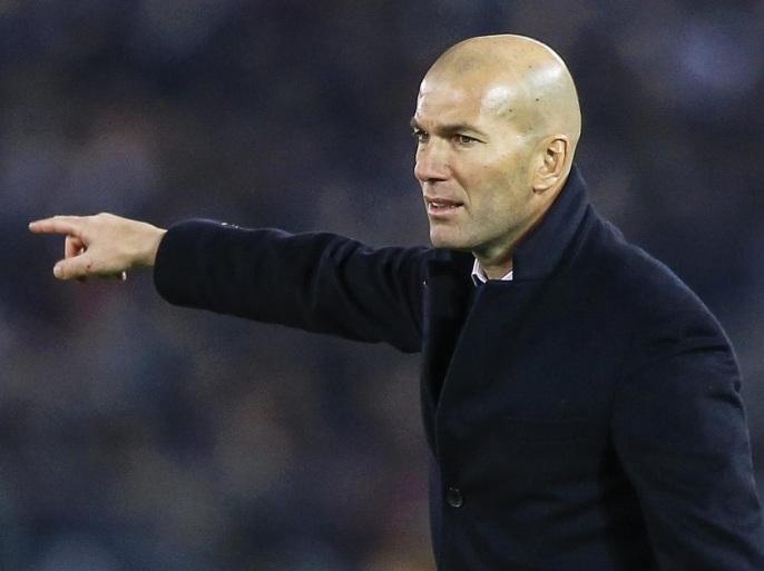 زيدان:أنا المسؤول عن خسارة ريال مدريد أمام ألافيس
