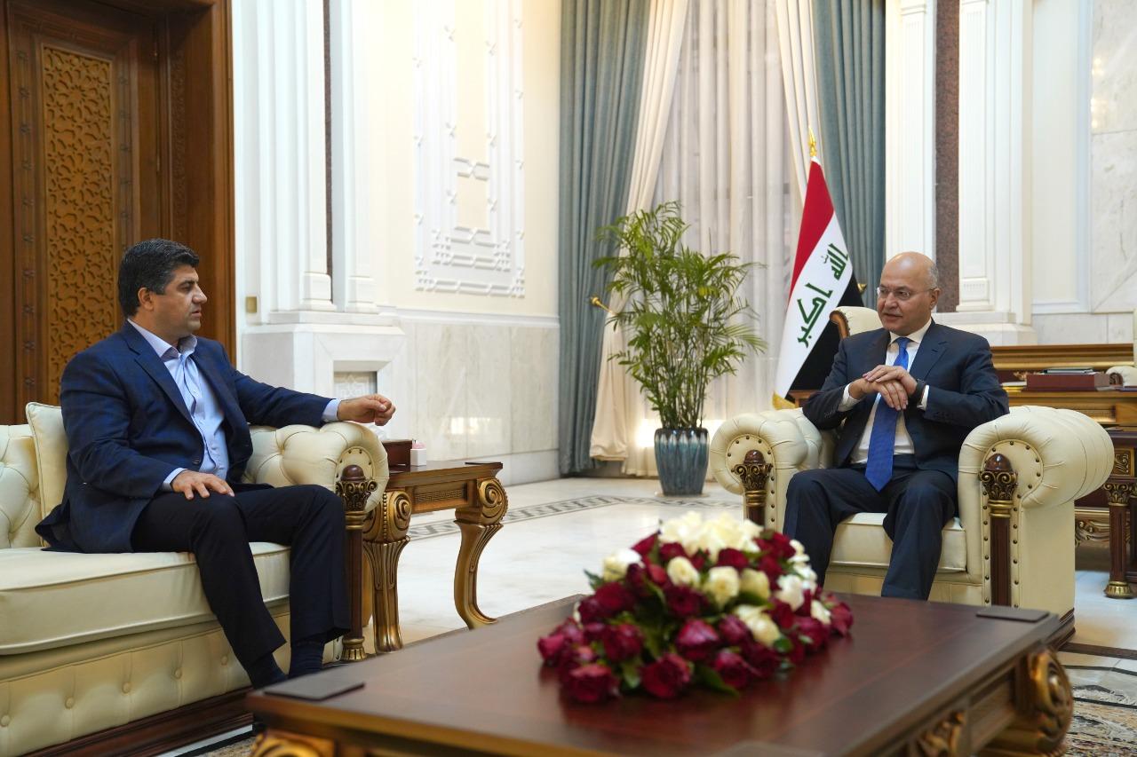 صالح يؤكد على جنكي التمسك بالحوار وإبعاد قوت الشعب عن الخلافات السياسية