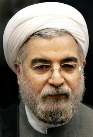 روحاني يطلب من الحرس الثوري الايراني الابتعاد عن السياسية
