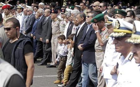 قوات الأمن المصرية تطارد متشددين بعد اقتحام بلدة قرب القاهرة