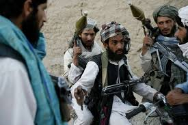 بعد ثلاث سنوات من اعتقاله.. باكستان تفرج عن قيادي بارز بحركة طالبان