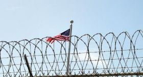 25 سنة سجن على امريكي لتعاونه مع طالبان