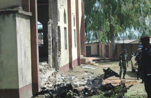 الشرطة: انتحاري يقتل عشرة في كنيسة بباكستان