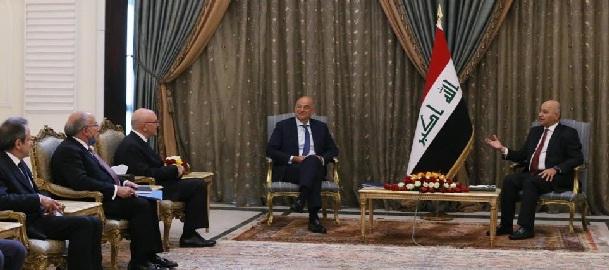 صالح يؤكد على تعزيز التعاون الاقتصادي مع اليونان