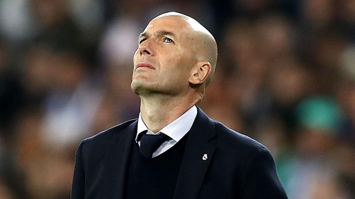 إدارة ريال مدريد تبلغ زيدان الاستمرار مع الفريق بغض النظر عن النتائج