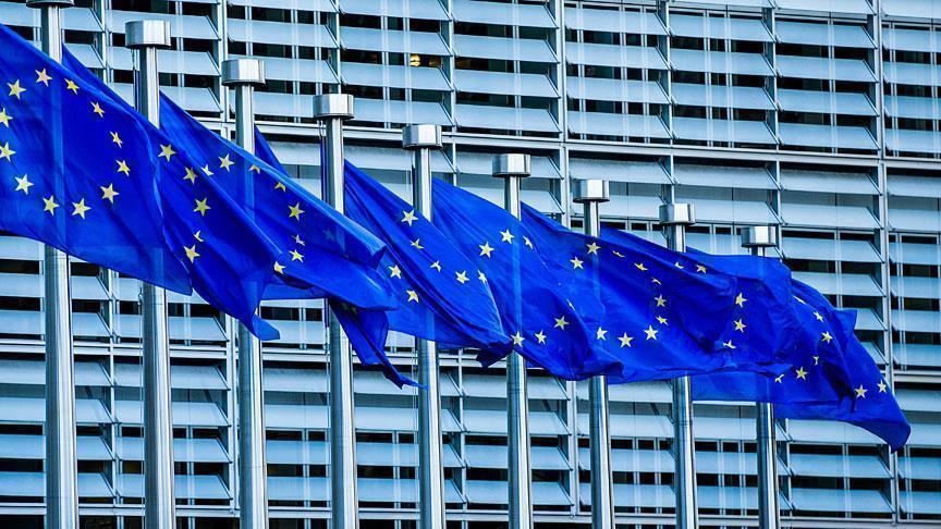 الاتحاد الأوروبي يخطط لتشجيع إعادة المهاجرين إلى بلدانهم