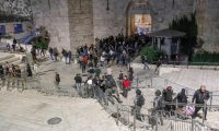 ارتفاع عدد المصابين الفلسطينيين إلى 205 بمواجهات مع قوات الاحتلال الإسرائيلي في القدس