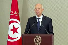 الرئيس التونسي يدعو إلى الحوار الوطني لتشكيل نظام سياسي جديد