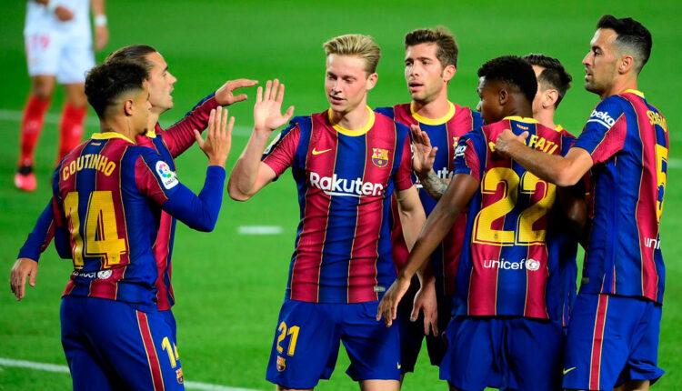 4 لاعبين في برشلونة يرفضون تخفيض أجورهم