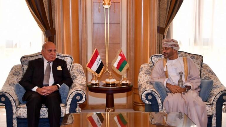 وزير الخارجية ونظيره العُماني يؤكدان على تعزيز العلاقات بين البلدين